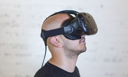 A+ Technology Adds Virtual Reality to School Safety Training Seminars