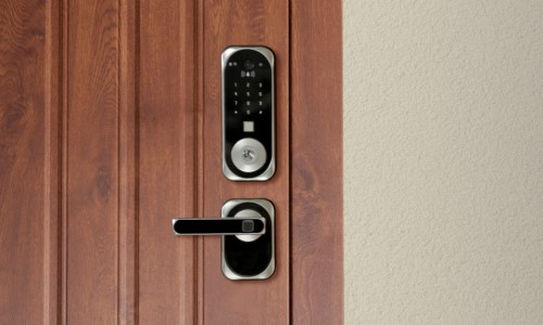 This Smart Lock Has A Built-In Facial Recognition Camera