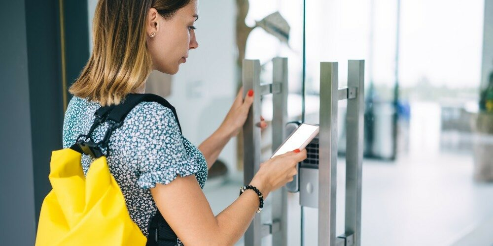 Why Mobile Credentials Are Winning Campuses' Confidence
