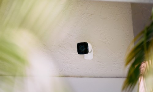 Vivint Adds Pool Safety Feature to Outdoor Camera Pro
